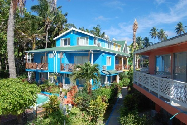 Fachada Fuente Fanpage Facebook Cocoplum Hotel